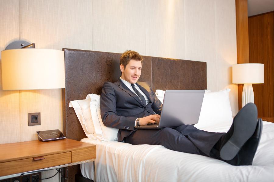 Business Class a Kardosfa Hotelben